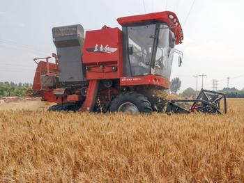 智能农机助力秋整地